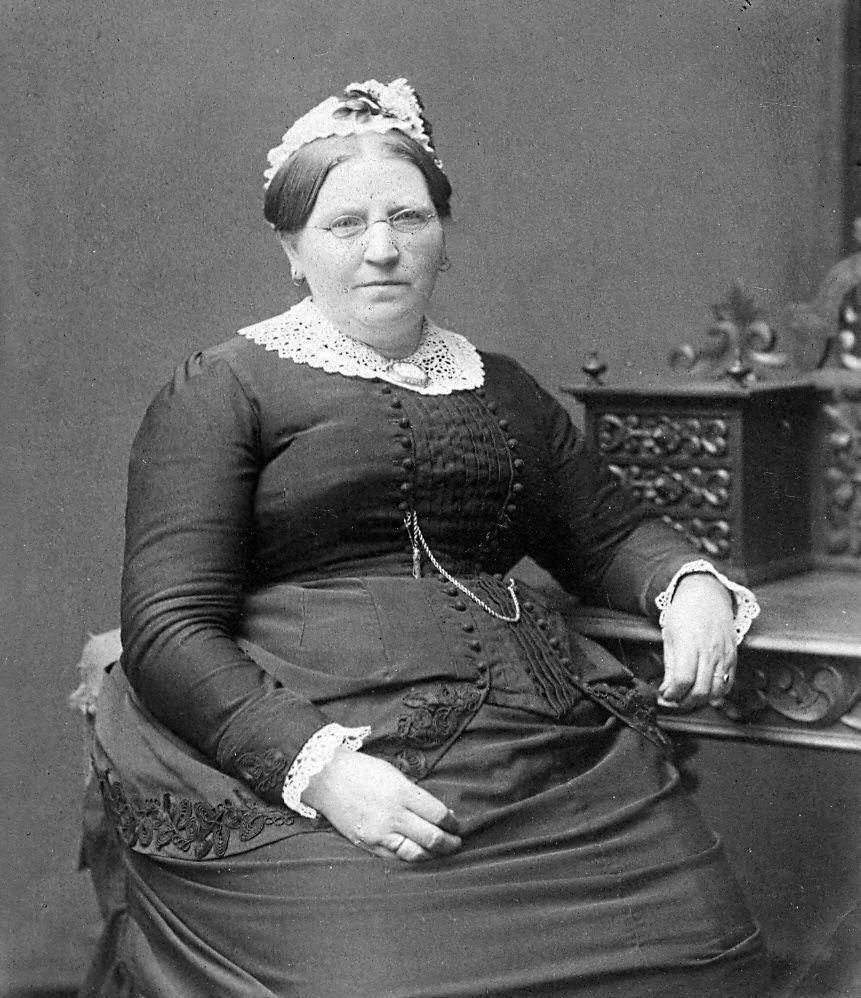 19.1 Regine Frederikke Neumann, f. 9.12.1831