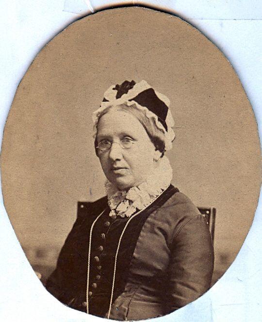 19.16 Signe Petersen, f. Selin,død 1902.