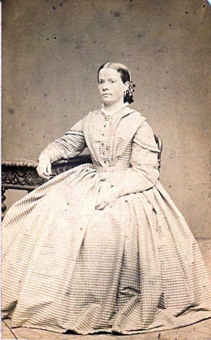 19.7 Marthine Neumann, søster til Regine Kierboe.