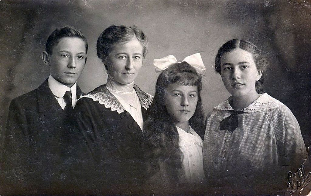 20.140 Edith Engelke, oktober 1915