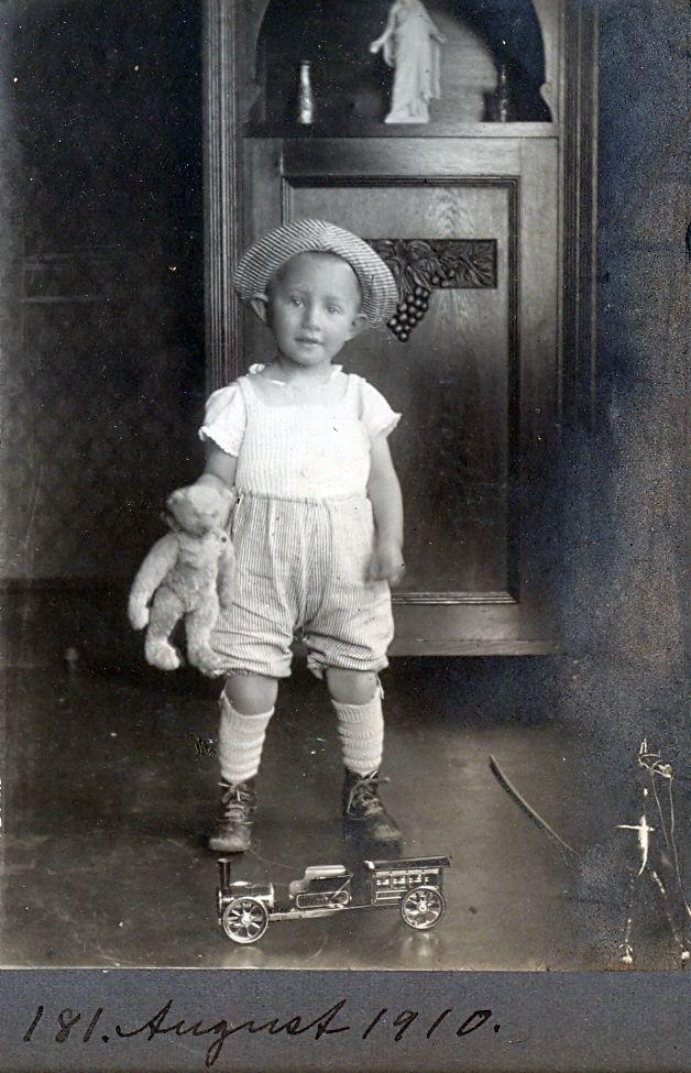 30.181 Axel Schmuhl, august 1910