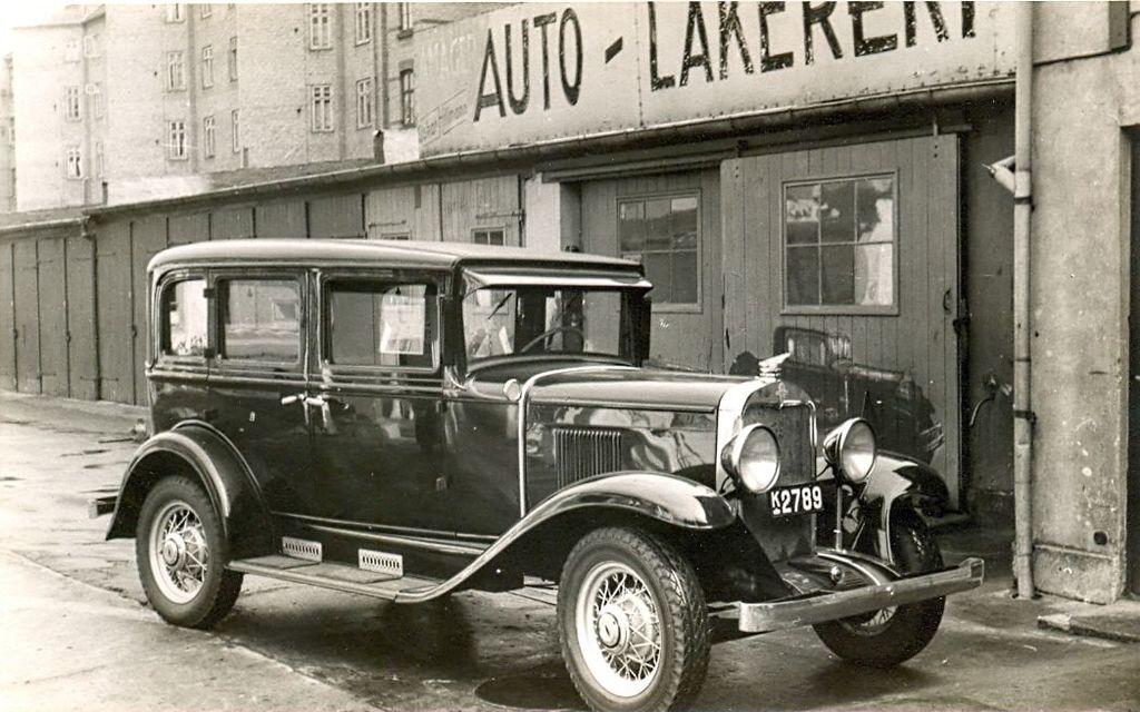 30.364 Schmuhls Chevrolet ved garagen nær Oskar Hilmanns autolakering, Amager.