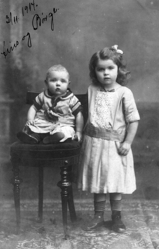 1.83  Aino og Børge 3.11.1914
