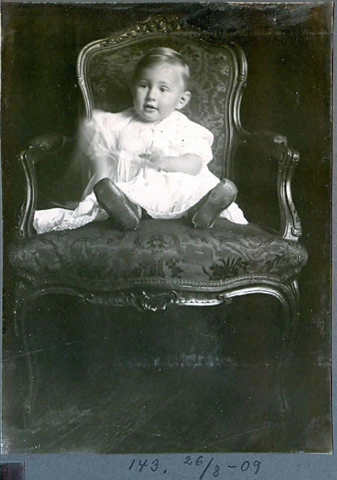 30.143 Axel Schmuhl et år 26.8.1909