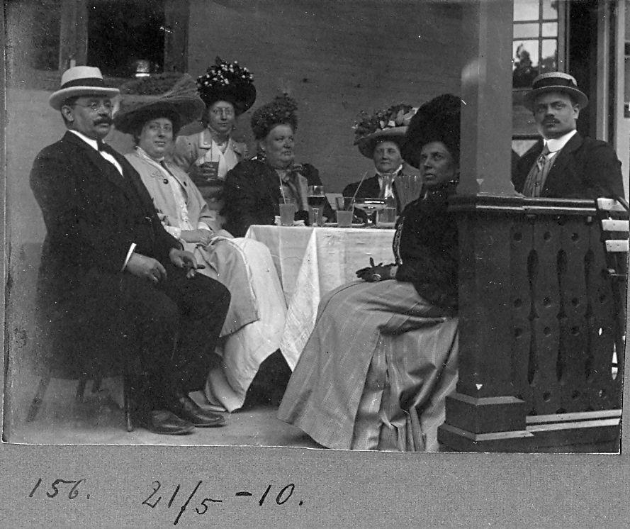 30.156 Familien Ebert med Hermann Ebert til venstre