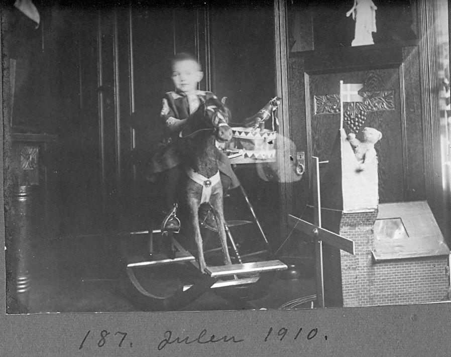 30.187 Axel Schmuhl, julen 1910