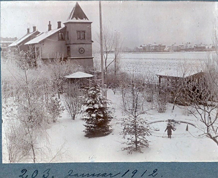 30.203 Udsigt fra Villa Sans Soici januar 1912. 2300 København