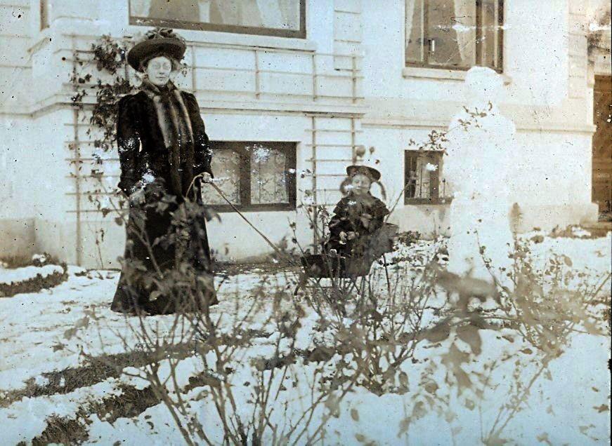 Erna og Else Ebert december 1907