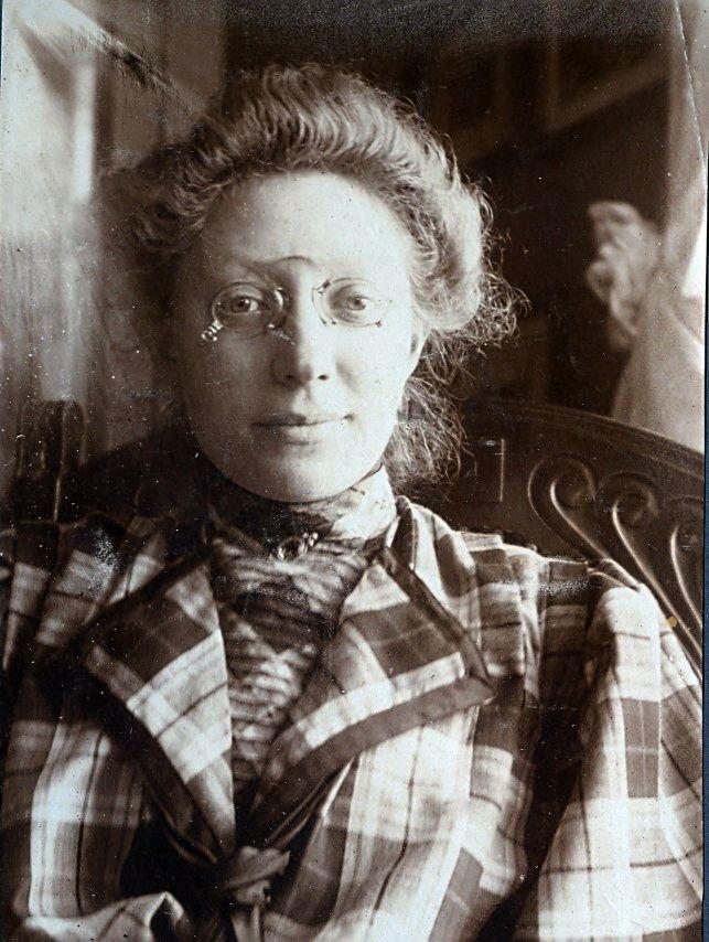 Erna Schmuhl, foråret 1908
