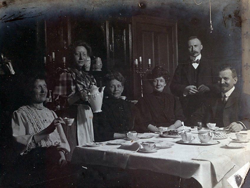 Kaffe hos Erna og Wilhelm Schmuhl