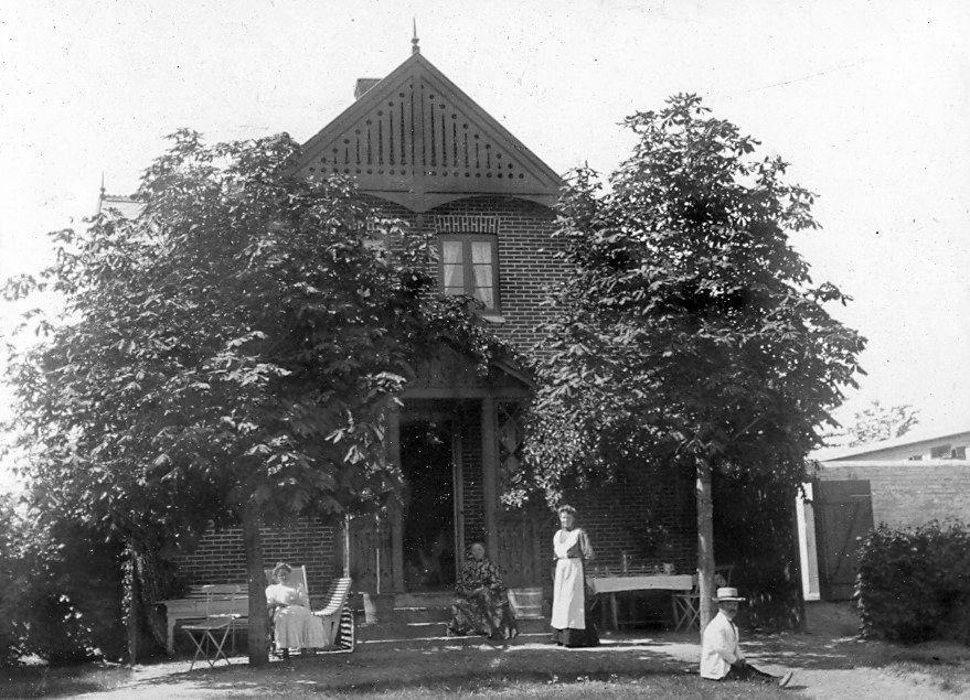 30.81  juli 1908 i Allindelille (ved Ringsted) Erna og Wilhelm Schmuhl i Villa Landlyst.4370 St.Merløse