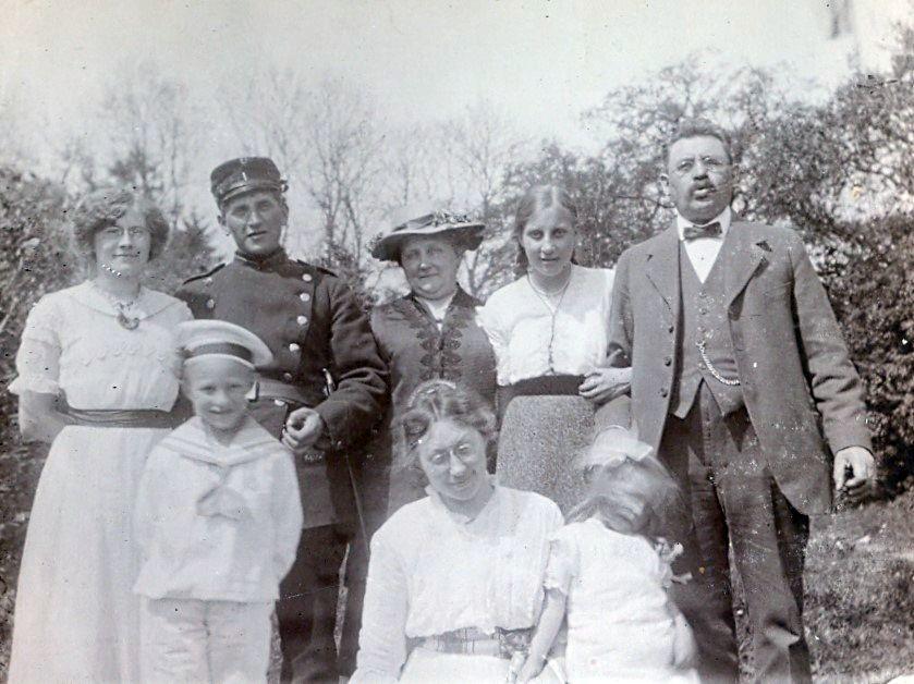 30.239 Familien Ebert og Schmuhl.