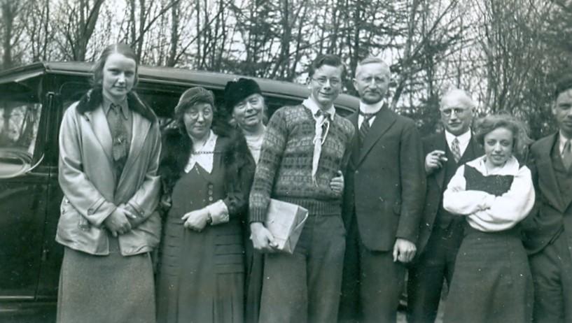 30.345 Besøg hos familien Mærsk Møller i Tisvilde 1934.