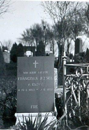 30.381 Gravsten for Franziska Jessel
