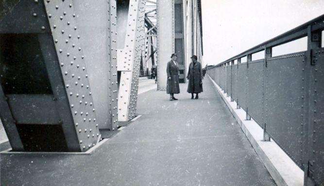 30.428 Besøg på den nybyggede Lillebæltsbro.