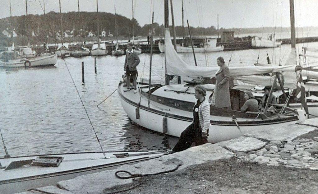 30.622 Vedbæk havn 1942