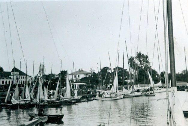 30.623 Vedbæk havn 1942