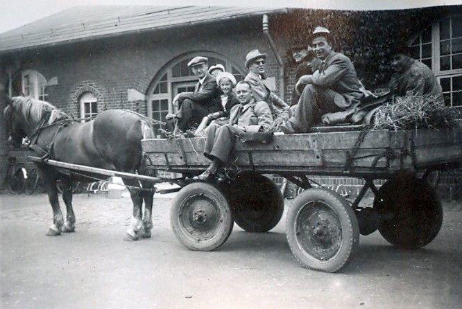 30.795 En taxa under besættelsen.