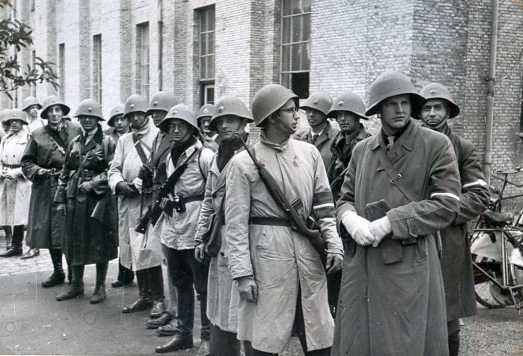 30.800 Frihedskæmpere formodentlig i Tøjhusmuseets gård.