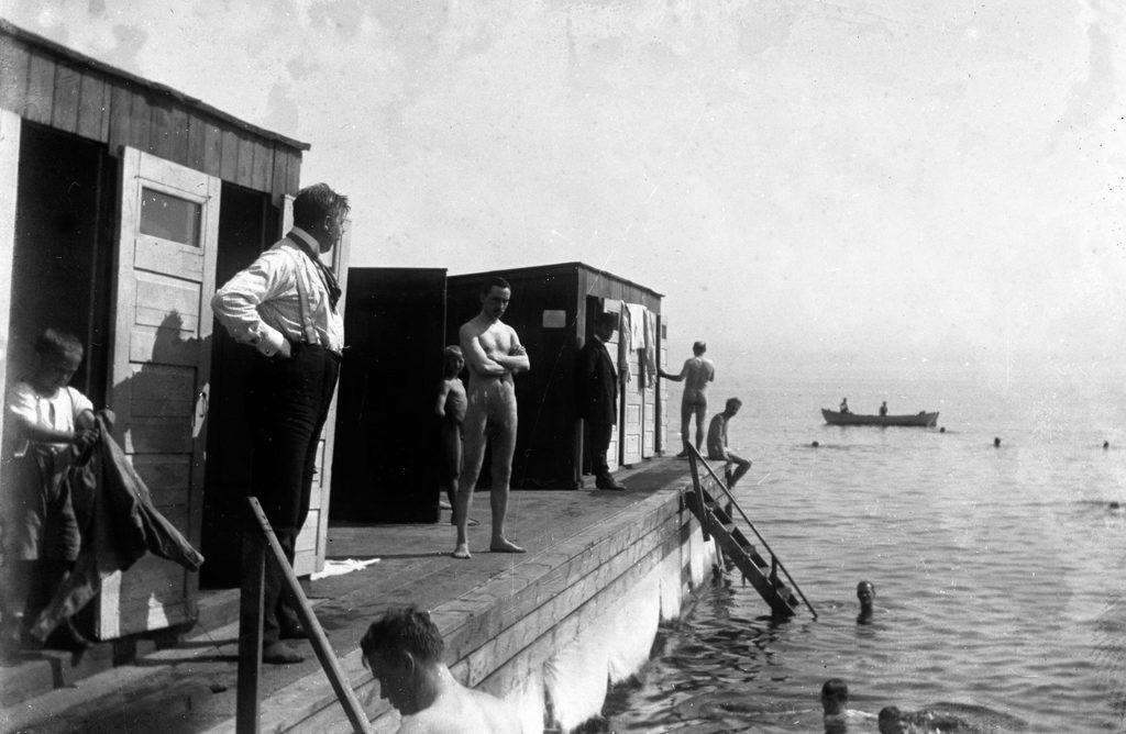 14.1 år 1911. Hvor lå denne badebro ?