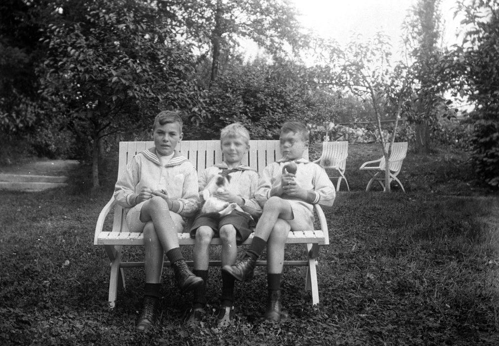 3.5 Muligvis  Teilmann-sønnerne Jørgen f. 1908 og Poul f. 1911