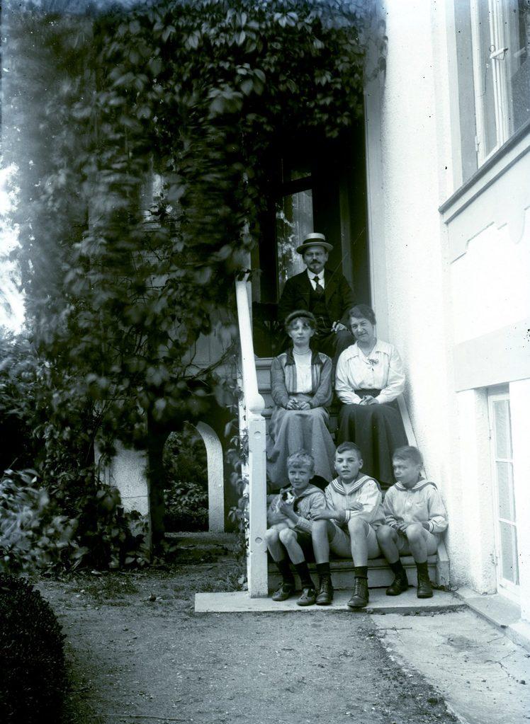 3.6 Muligvis  Teilmann-sønnerne Jørgen f. 1908 og Poul f. 1911