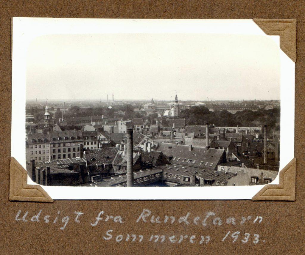 70.12  Udsigt fra Rundetårn sommeren 1933