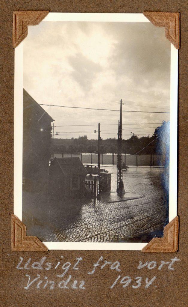 70.53 Udsigt fra vindue, Trianglen 1934