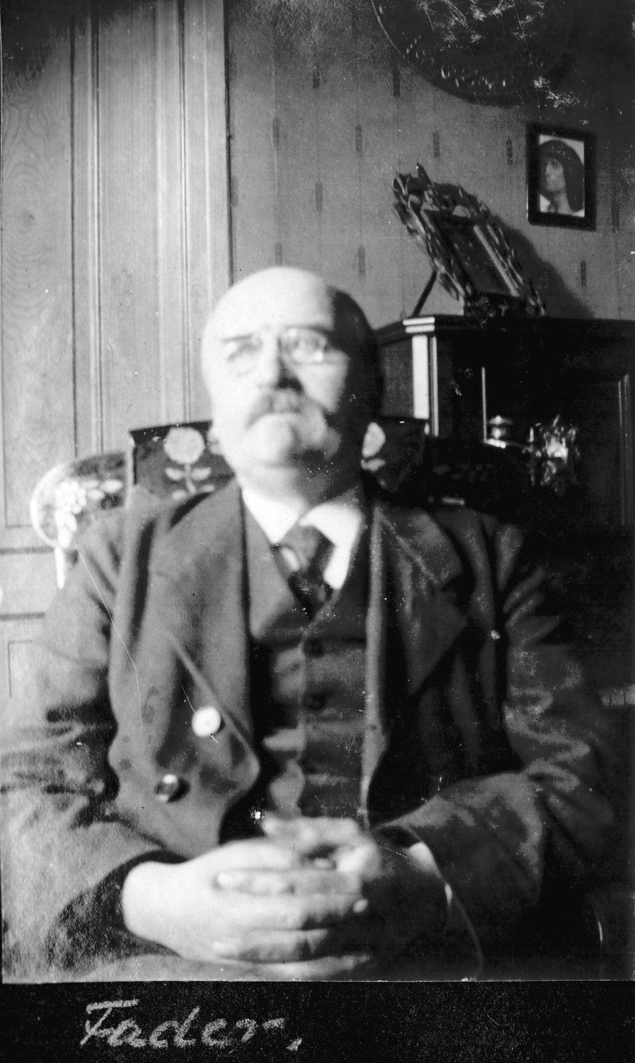70.211 Anders Peter Jensen Lundsgaard f. 19.8.1856 ,cirka 1920