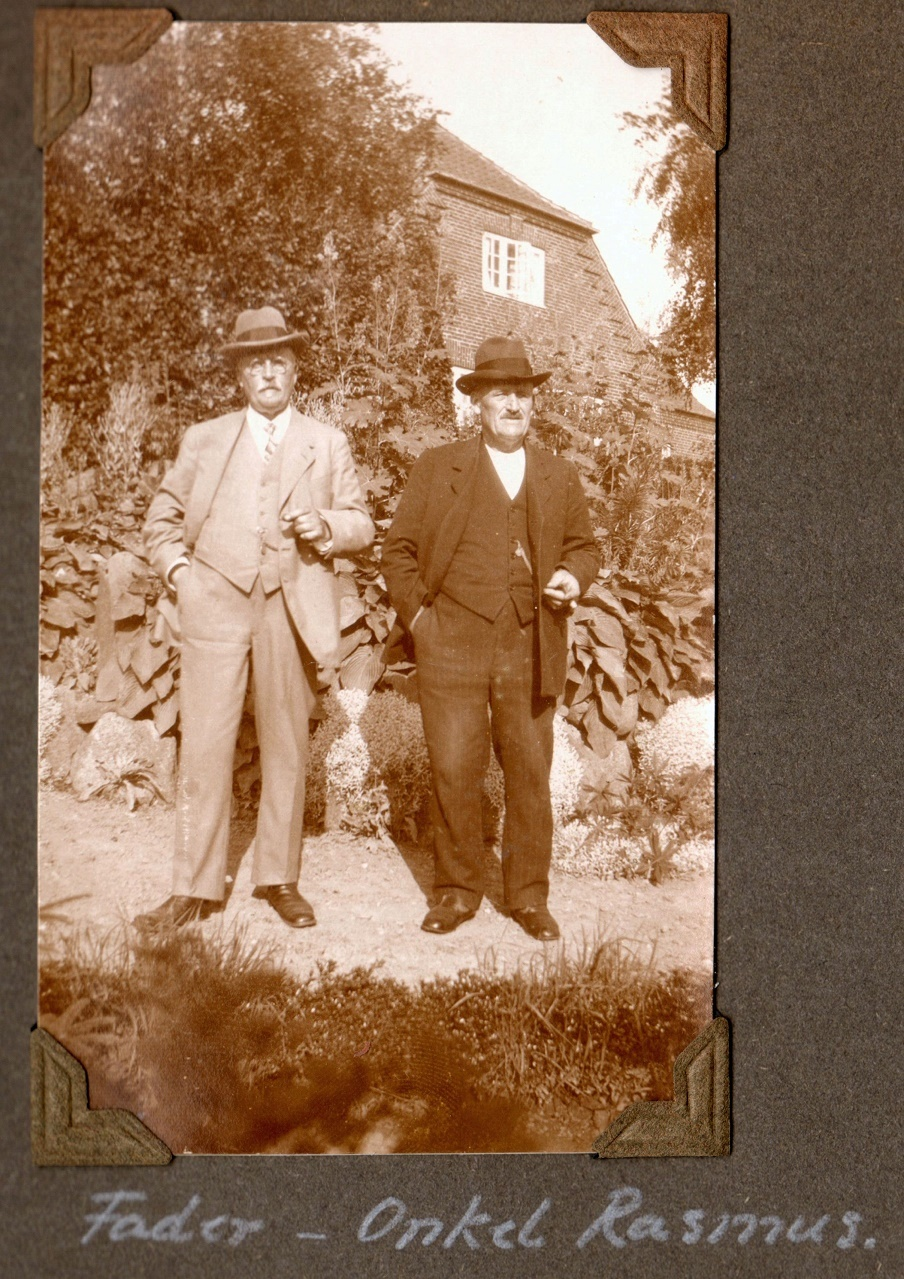 70.356 Peter Jensen Lundsgaard f. 19.8 1856 og Rasmus Jensen Lundsgaard f. 1860.
