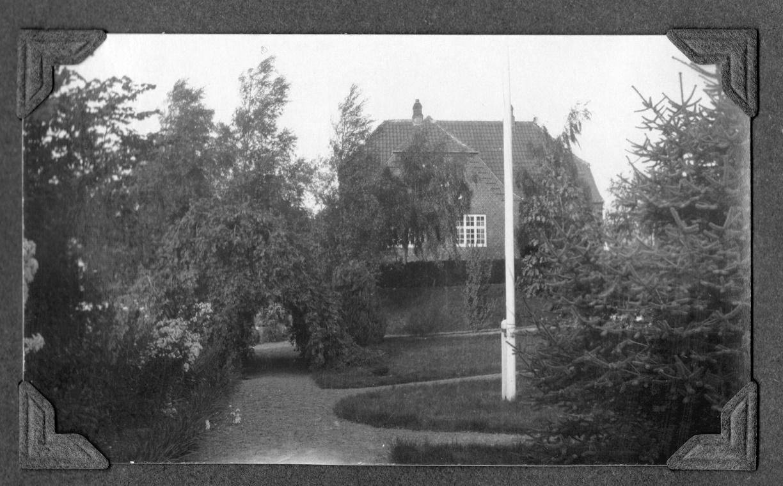 70.359  Rasmus Jensen Lundsgaard f. 1860. s villa Solbakken, Trunderup.