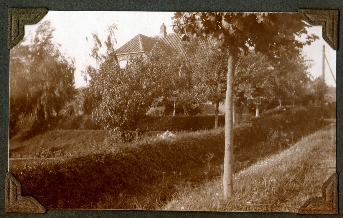 70.360  Rasmus Jensen Lundsgaard f. 1860. s villa Solbakken, Trunderup.